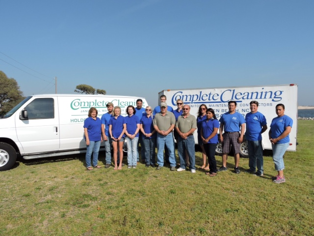 complete-cleaning-team